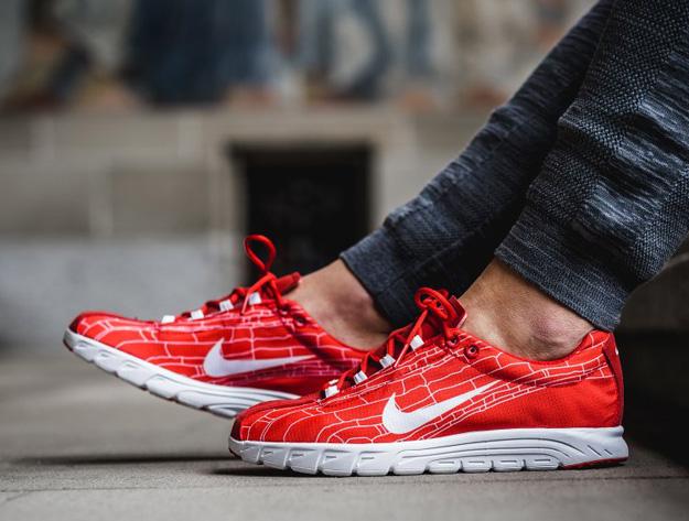 Nike-Mayfly-University-Red-1.jpg