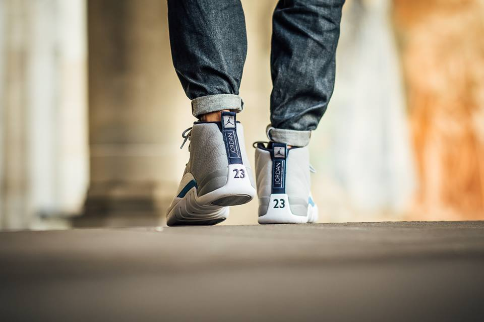 Air-Jordan-12-Grey-University-Blue-21.jpg