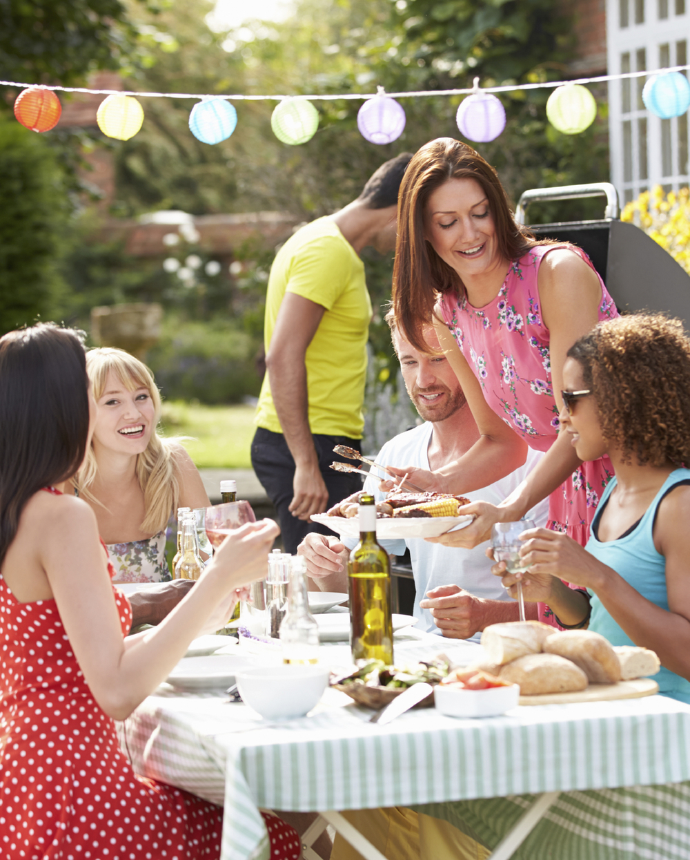 hosting an outdoor party at your home outdoor kitchen designs ny ct outdoor living magazine - Hosting A Party At Home