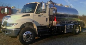 Small-Grease-Pump-Truck-300x159good pic.jpg