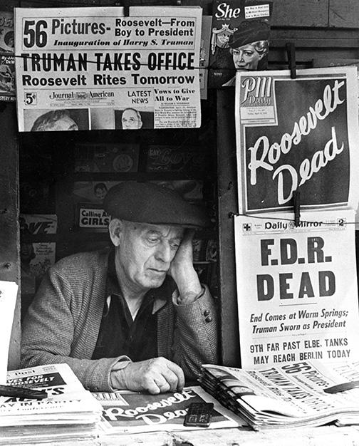 Esta imagen tomada por Stanley Kubrick cuenta una historia completa: el presidente de los EE.UU. murió, su sucesor ya está elegido y el pueblo está triste.
