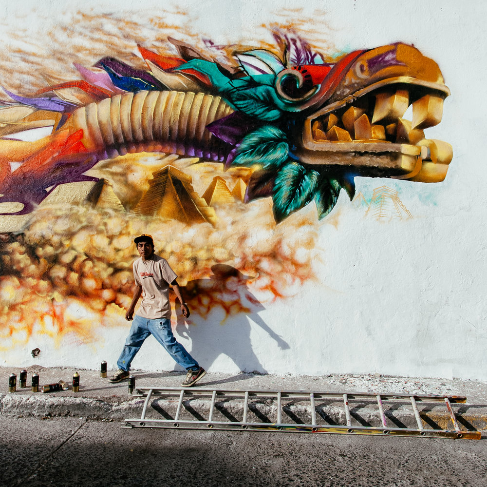 Graffiti artist in Queretaro