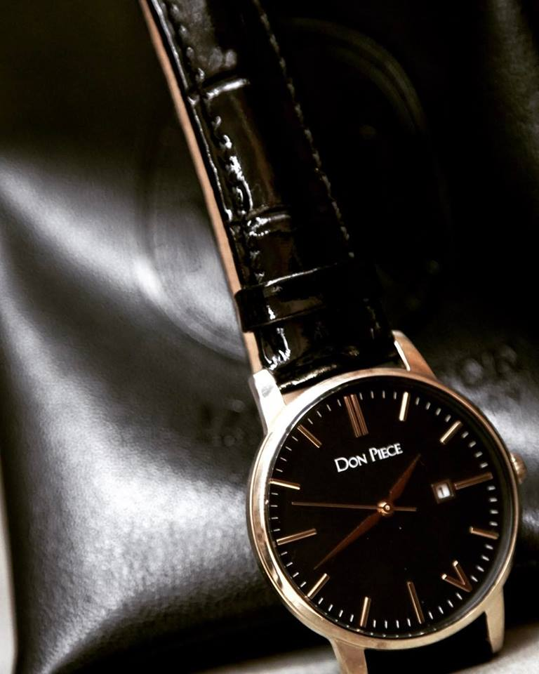 Don Piece's newest addition to the Women's line - The Black & Gold Comare.