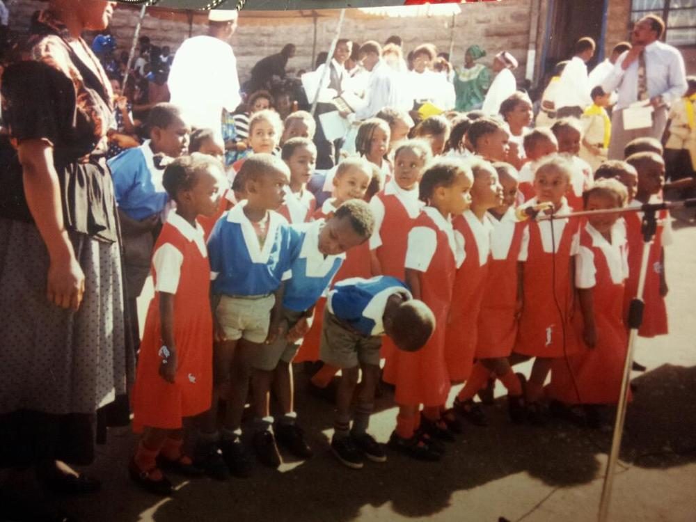 AAhh..Kindergarten! You bet I was front and centre and hogging that mic! #DivaFromDayOne! Hahaha!!