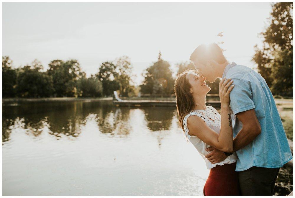 MatthewLaurel-WashPark-Engagement_0015.jpg