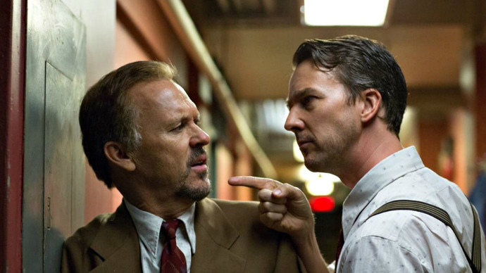 Riggan (Michael Keaton) is challenged by Mike (Edward Norton). (Image © Fox Searchlight Pictures).