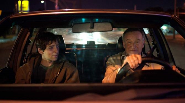 Roberto Aguire as Leo and Robin Williams as Nolan in Boulevard, written by Douglas Soesbe (Image  ©  Starz Digital).