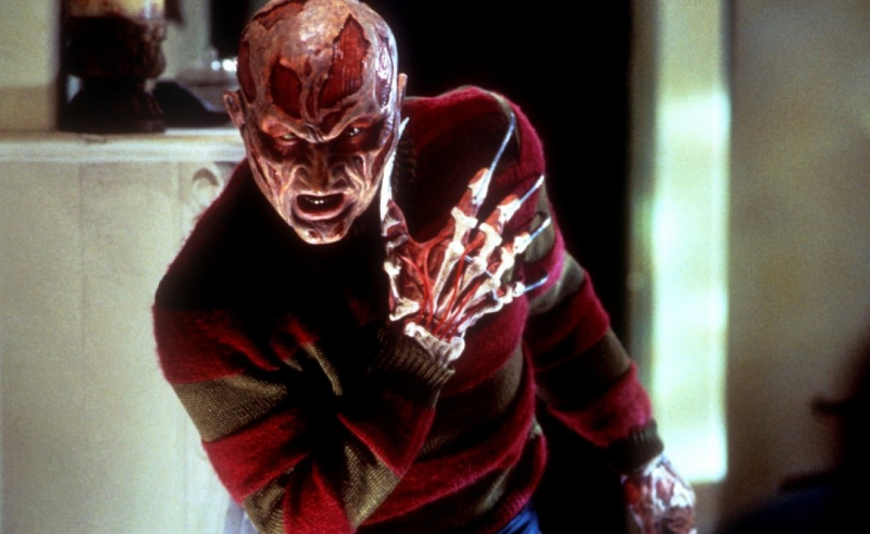 Robert Englund strikes fear once again as Freddy Krueger in Wes Craven's New Nightmare (Image © New LIne Cinema).