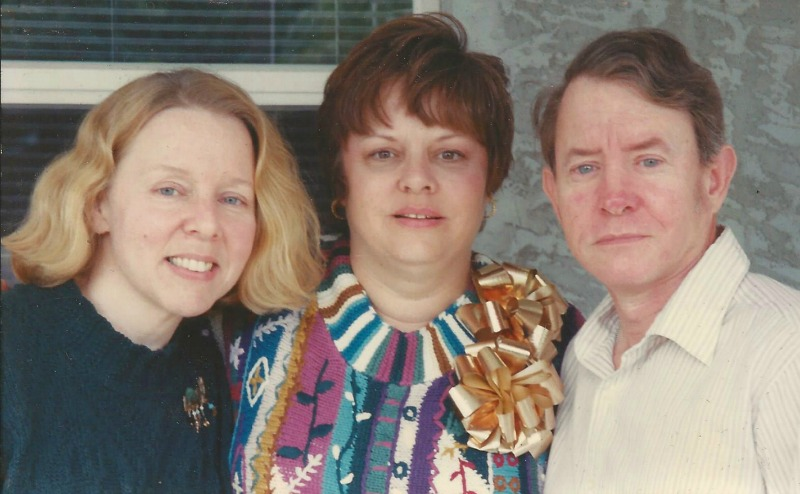 The author (far left) with her siblings on Christmas Day, 1994 (Image  ©  Linda Bragg).