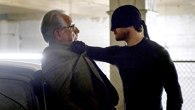 Bob Gunton and Charlie Cox in Daredevil (Image © Netflix).