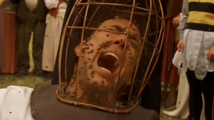 Nic Coppola in full-on Ridiculous Cage mode in The Wicker Man (Image © Warner Bros.)