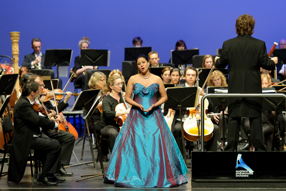 Stacey Alleaume with the Auckland Philharmonia Orchestra, led by conductor Tom Woods.  Photo: © Tony Whitehead.