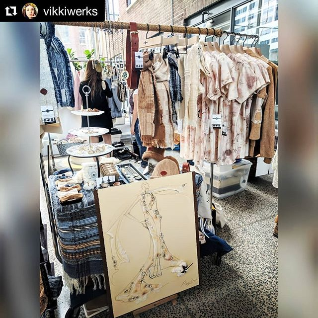 Come check out @made_inland - we are here till 7pm! Sustainable and Organic for this sunshiney Spring!  #Repost @vikkiwerks (@get_repost) ・・・ Oh, Hai 😍 @peggysuecollection here @made_inland - visit us! Check out the stunning colour grown cotton (YA that's a real thing! No dyes y'all!) & beautiful collection of #madeincanada goods. #Fashion you can feel good about. Asking #whomademyclothes this week? Peggy Sue Collection = supply chain transparency. Support farmers. Support makers. You CAN use your purchasing power to impact and make a difference in this world.  Put pressure on brands: I will not accept an industry that architects & profits off of the slavery & deaths of people and planet - why is the fast fashion industry continuing to cultivate this? Ask the big questions. Dig deeper. Demand accountability. ✊✌️ You CAN make a difference. You HAVE choices. This is a hard industry to reeeeally look at and you can't unsee that shit once you open your eyes. LOOK at it. I urge you not to live in blind denial. Start small, make changes as you go. I believe in you 🦄 #bethechange #farmtofashion #fastfashionkills #wearthechange #ethicalfashion #sustainablefashion #ecofriendly #cotton #foxfibre #colourgrowncotton #sustainableissexy #organic #organiccotton #stylist #toronto #the6ix #torontofashion #torontostyle #torontoblogger #blogto #narcitytoronto #torontolife