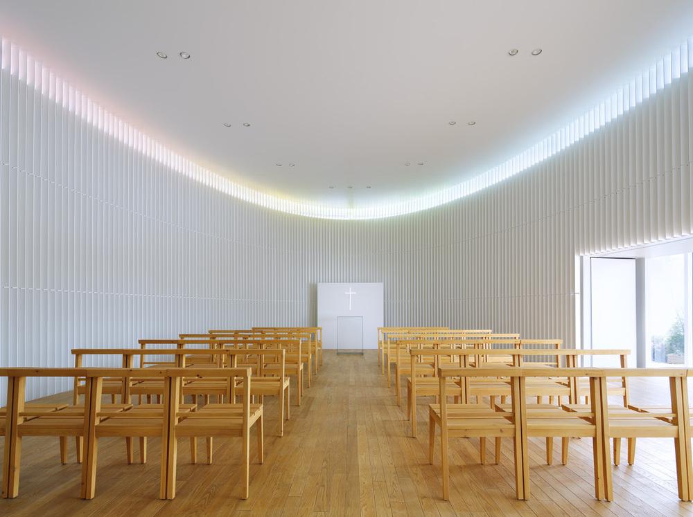 1_Rainbow_Chapel.jpg