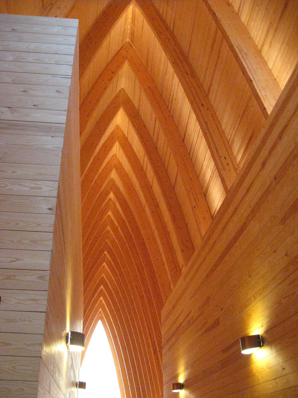 Ecumenical_Art_Chapel_of_St._Henry_in_2.jpg