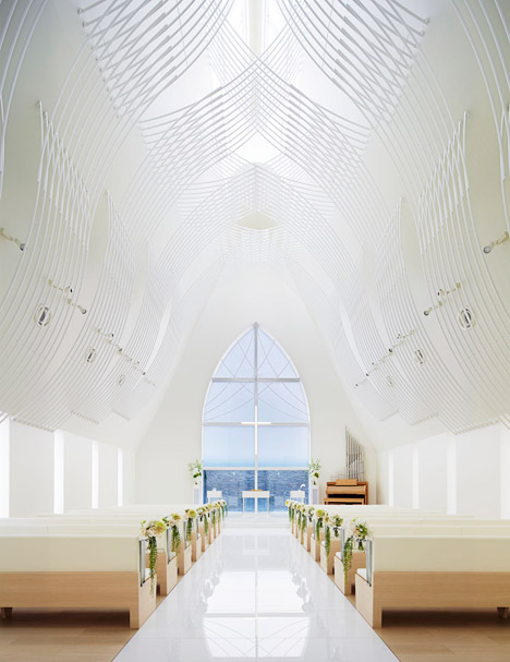 Chapel-in-Japan-by-Eriko-Kasahara_dezeen_468_1.jpg
