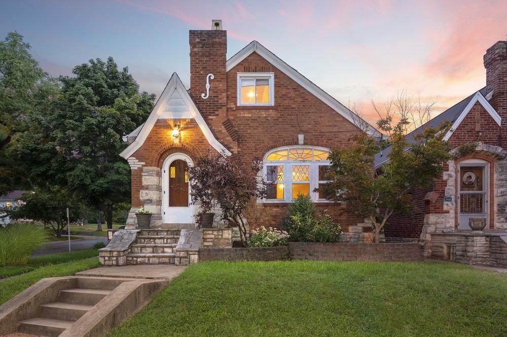 3736-taft-avenue-63116-front-exterior-twilight-real-estate.jpg