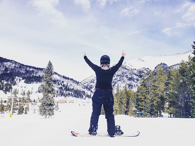 Crushing it. It was a good day. 🏂 . . . . #copper #colorado #findyourself #dailyinspiration #snow #travelmore #wonderlust #expandyourplayground #explore #experience #travel #wanderlust #travelgram #travelgirl #outdoors #adventurethatislife #snowboard #mountain #crush #travelphotography #love #winter #naturelover #adventure #send #wander #photooftheday #sendit #snowboard🏂
