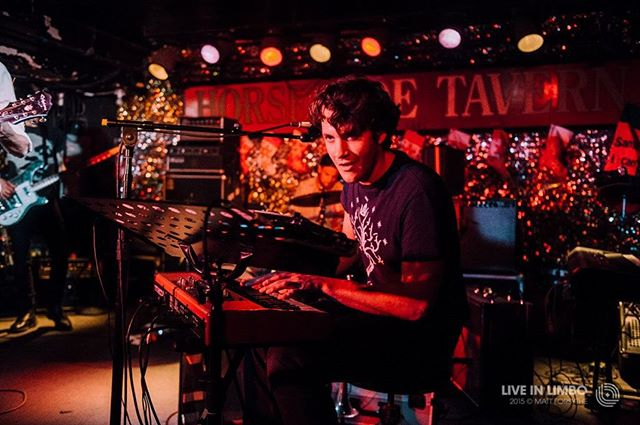@discostoo sizin up the crowd last week @horseshoetavern. 💥📷👉 @skin_mf for @liveinlimbo