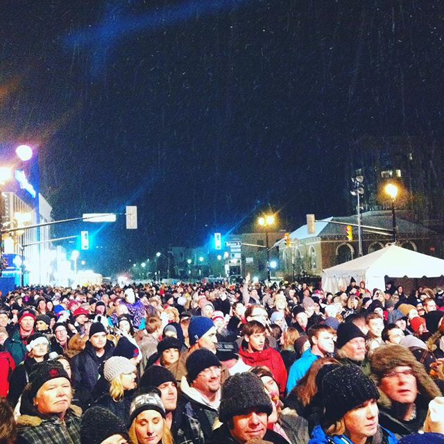 Happy new year and thank you #barrie! #downtowncountdown #livemusic #newyearseve #nye