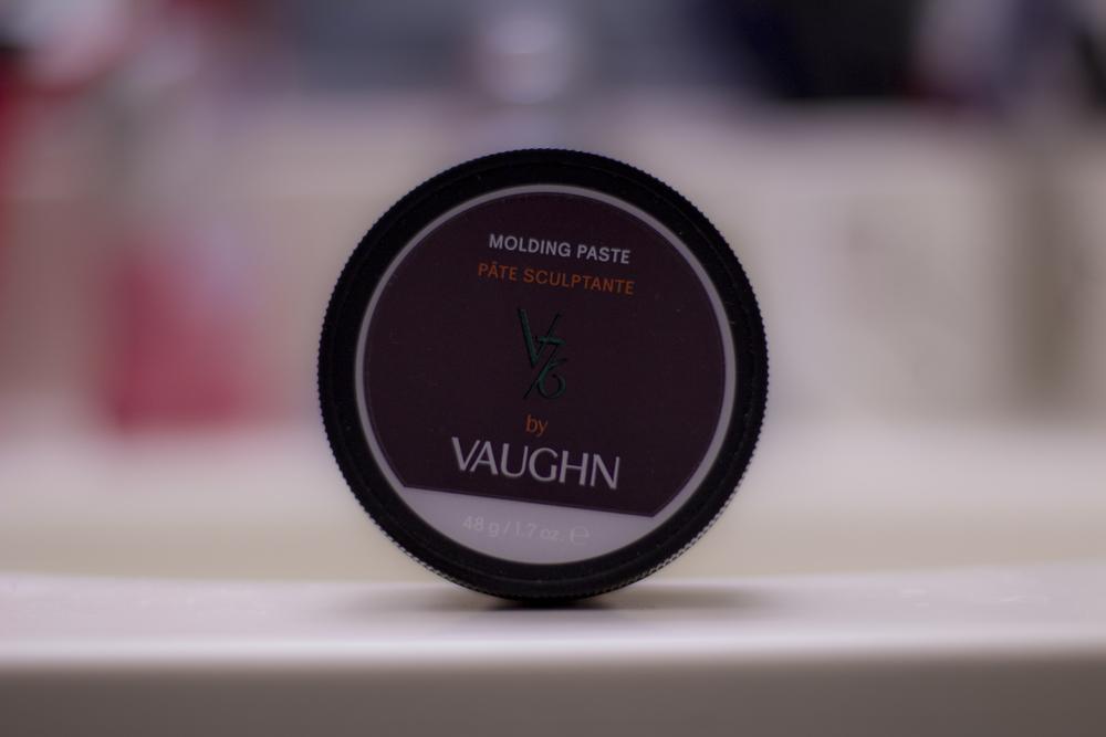 V76 Molding Paste jar