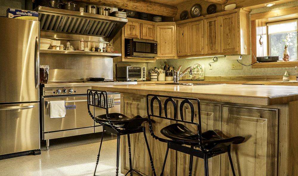 Kitchen HDR.jpg