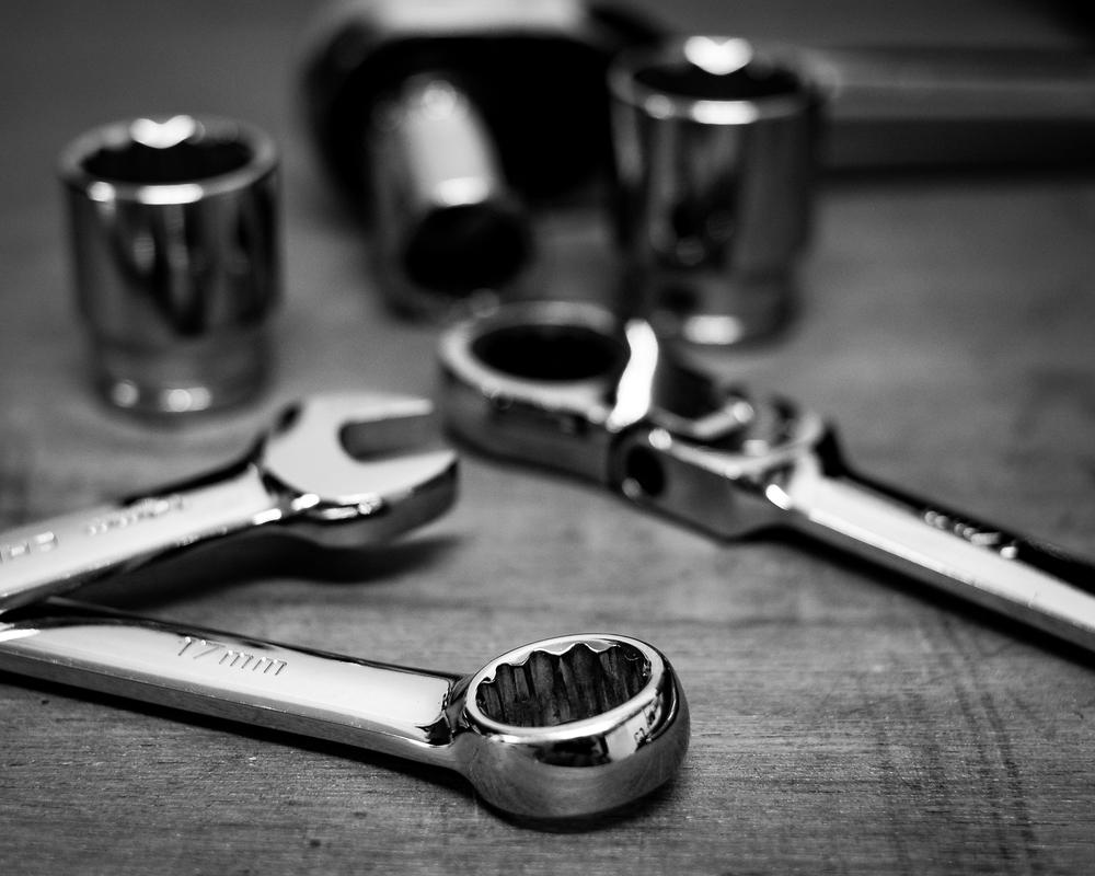Handy man shiny tools