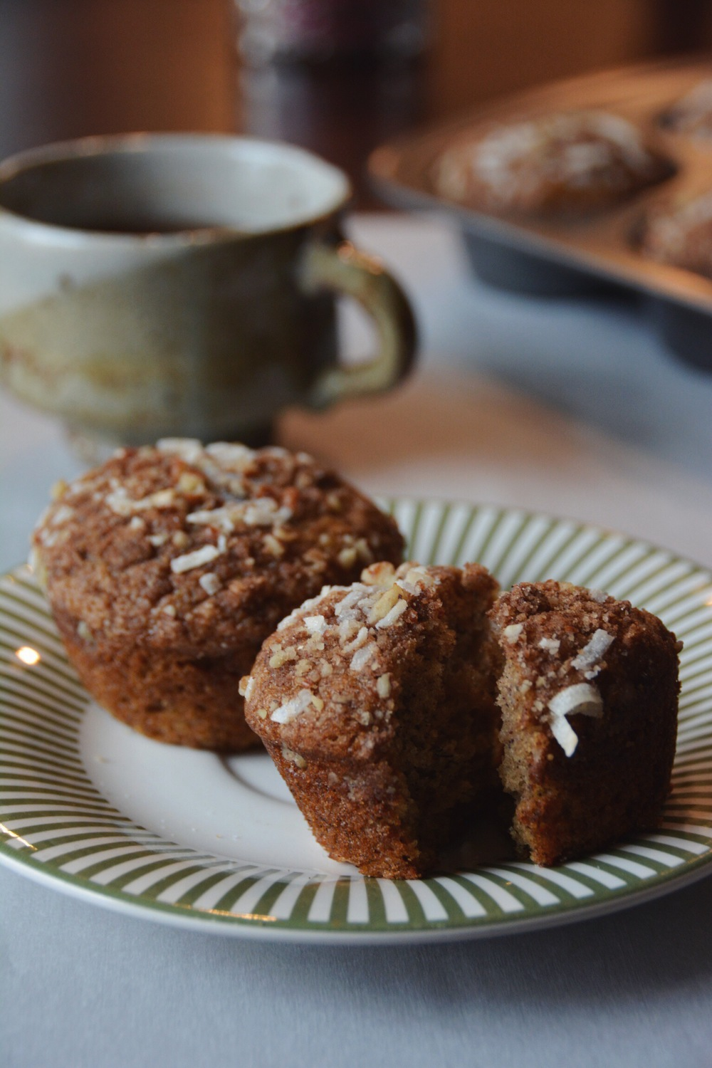 banana crumb muffins | doughing it right