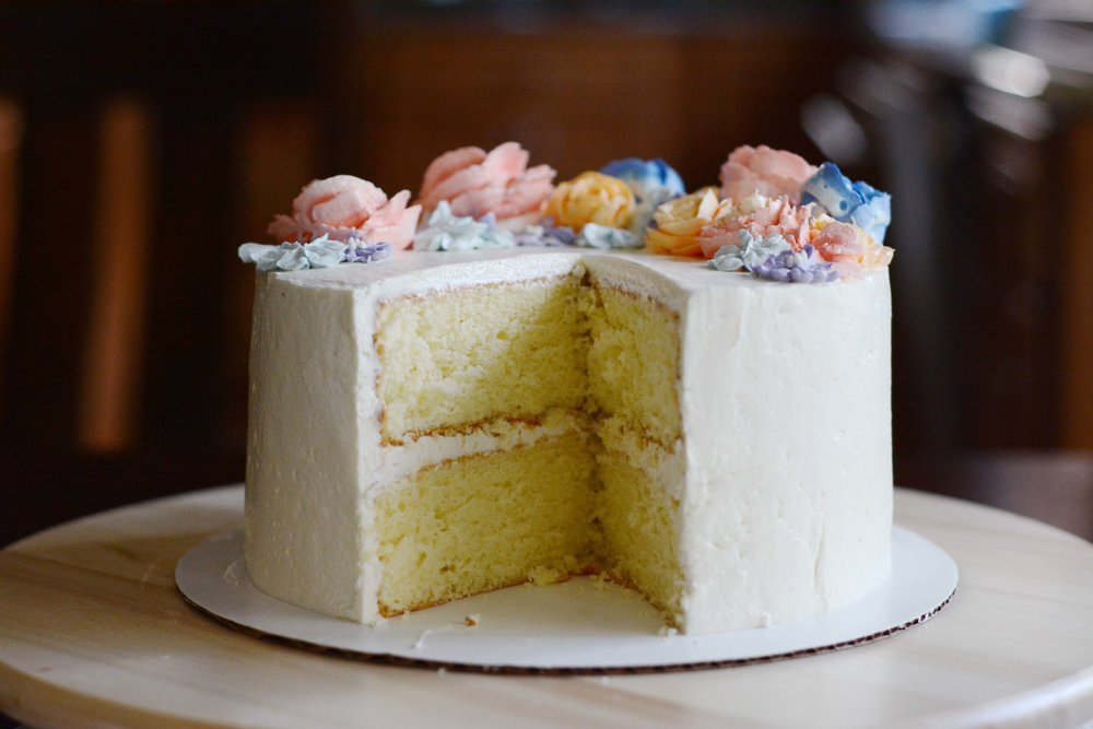 pastel buttercream flowers | doughing it right