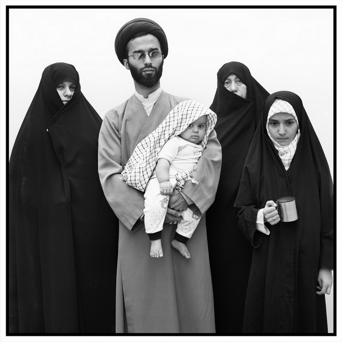 Mohsen Rastani, Untitled Iranian Families series, 2013, gelatine silver print, 100 x 100 cm, edition of 10