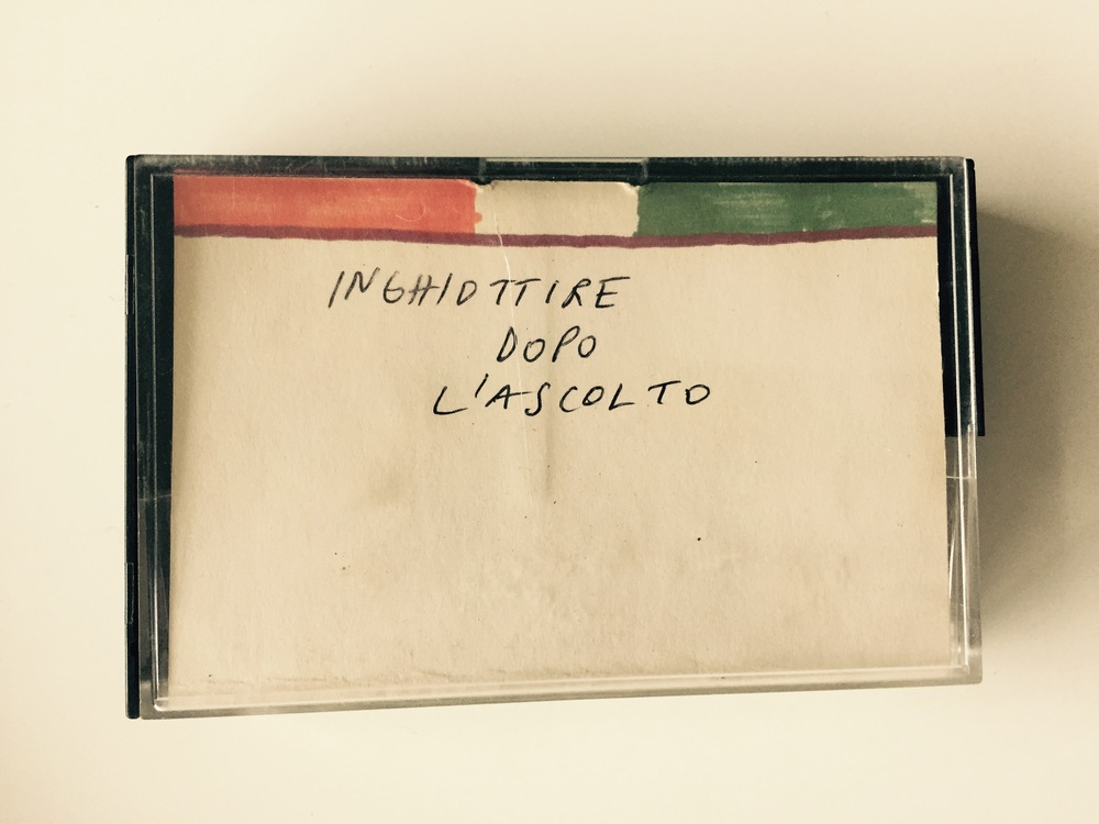 Maurizio Cattelan, Inghiottire dopo l'ascolto (Swallow After Listening), 1992, tape