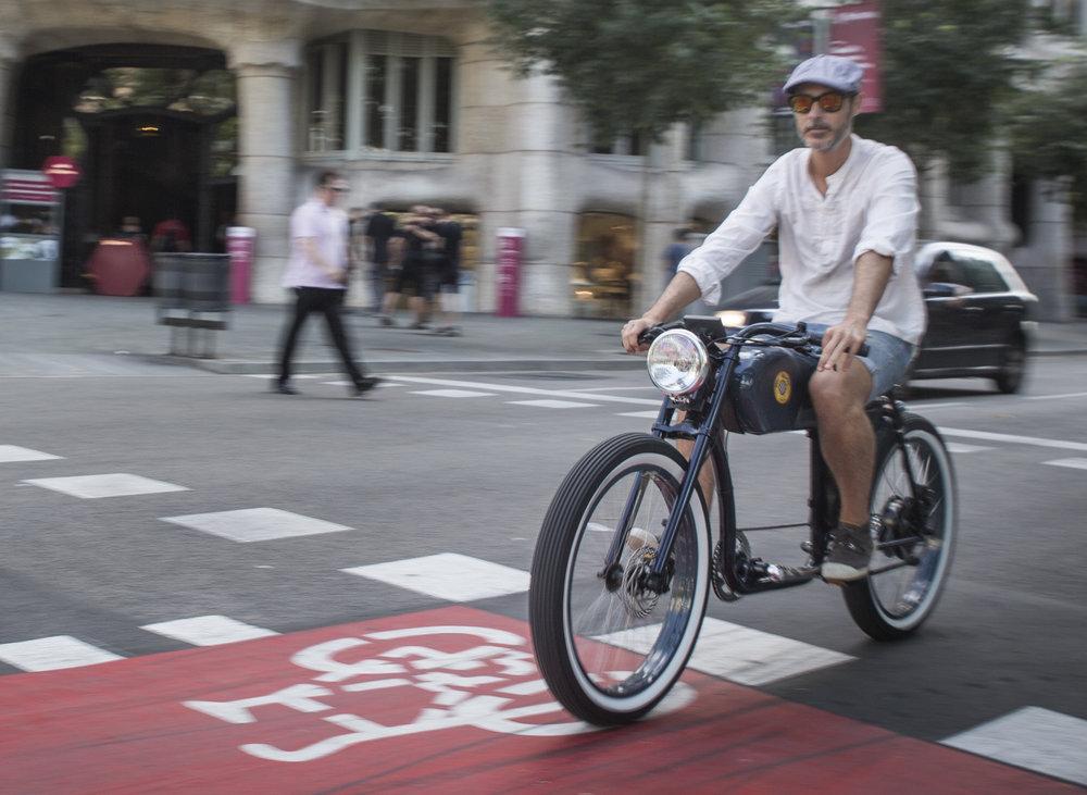 Dezigno.be_Otocycle_Café_racer_Caferacer_E-bike_250W_500W_Elektrische_fiets_cool_fun_retro_10.jpg