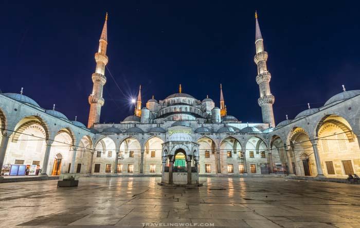 Istanbul-travelingwolf.com-blue-mosque-2.jpg