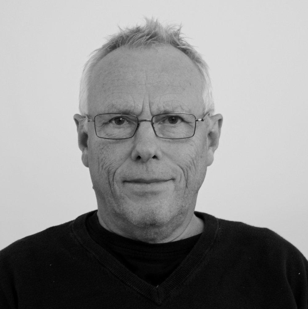 Jan Benjamin Olsen (JBO)   Lærer         Tlf. 54604040       jbo@bindernaes.dk