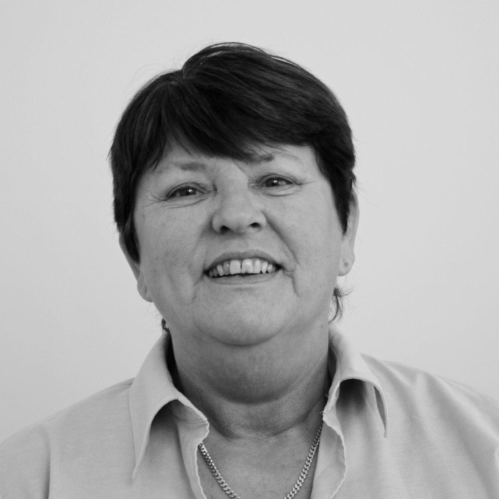 Kate L.Olsen (KLO)   Kontorassistent     Tlf.  54604040     klo@bindernaes.dk