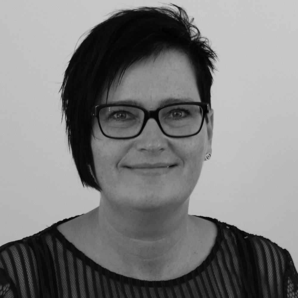 Betina Lollike (BL)   Administration og bogholderi   Tlf.  54604040     bl@bindernaes.dk