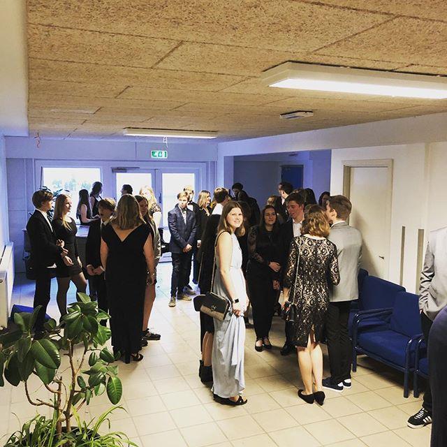 Så er alle ved at være klar til åres galla.  #efterskolelivet #efterskole #bindernæsefterskole #bindernæs #rødbyhavn #danmark #galla #2019