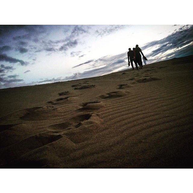 Regram from @hiroxkp at the Tottori sand dunes shooting for @easterisland music video.