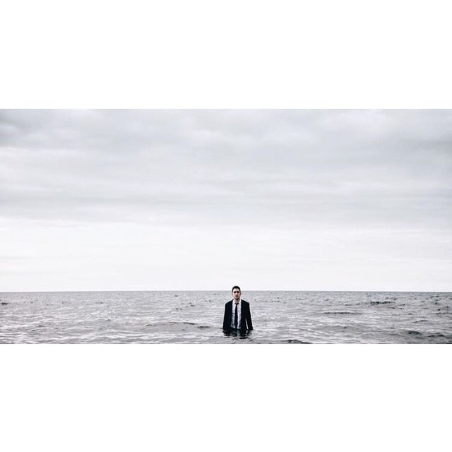 I've always wanted to take a dip into the ocean all suited up... Thanks H&M @hm! Photo by: @geepan