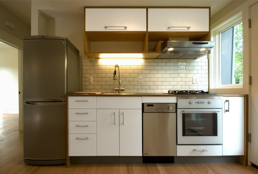 Attrayant This Compact Kitchen   Just Ten Feet Long   Is A Powerhouse With All The  Function