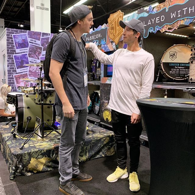 Day 2 at #NAMM2019 was okay I guess @joshuadun @mattschofieldmusic @therealmckee @that_pedal_show @andertonsmusicco #namm2019 #joshdun #twentyonepilots #fender #tworock #keepingmycool #kinda