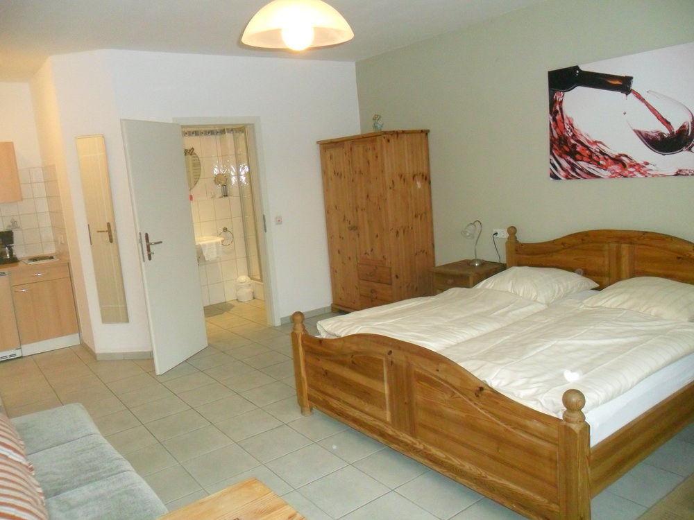 Dornfelder- Zimmer -
