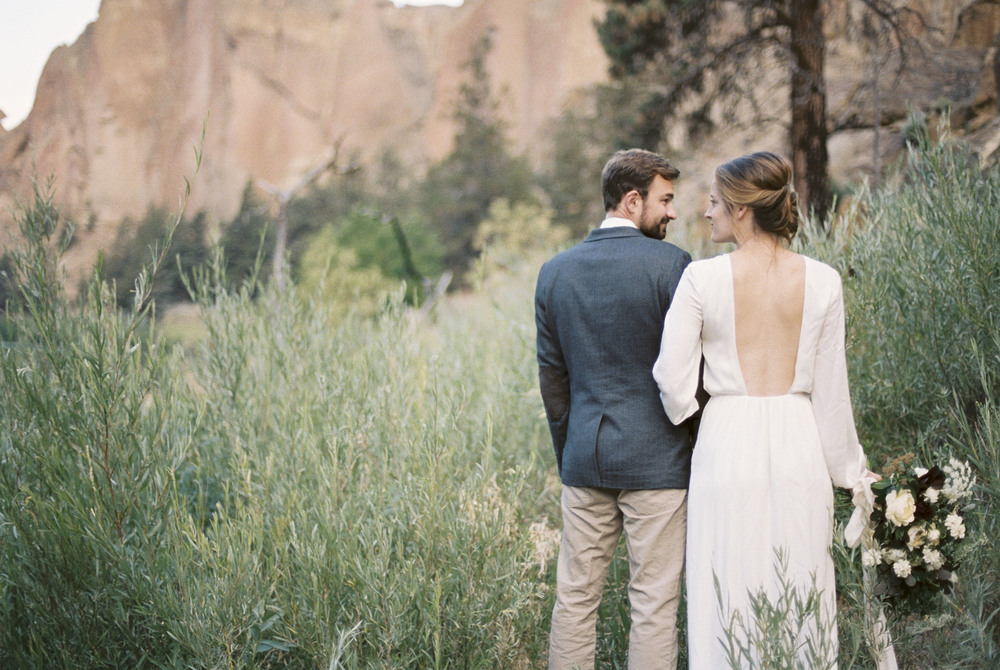 Smith Rock Elopement Bend Oregon Amanda Lenhardt Photography Oregon Elopement Photographer