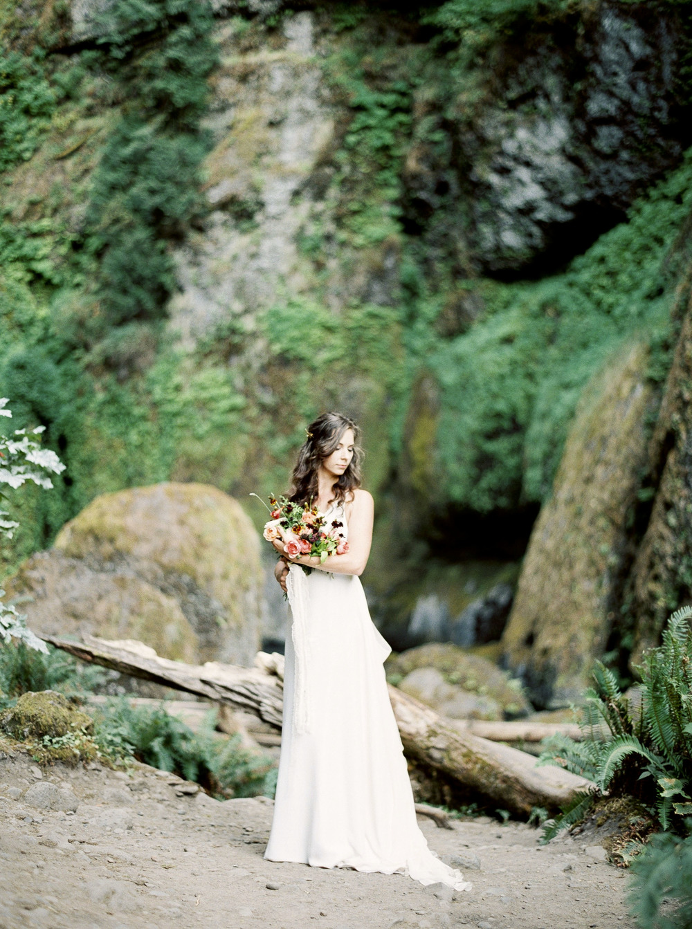 wahclella falls wedding fine art elopement Amanda Lenhardt Photography