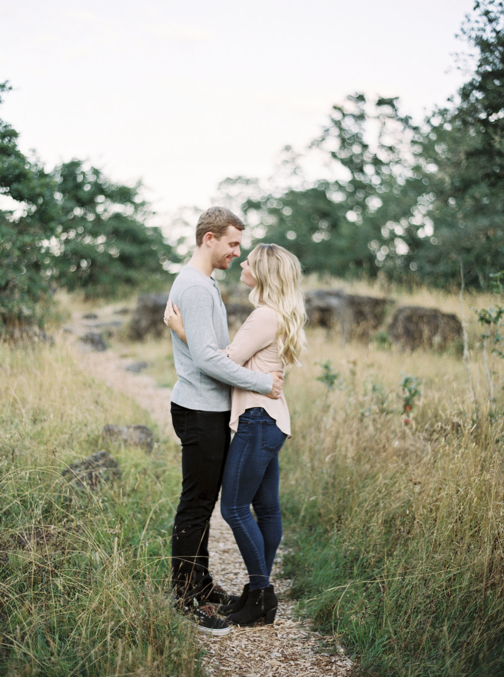 Oregon Couple Session. Amanda Lenhardt Photography Dallas Based Fine Art Photographer
