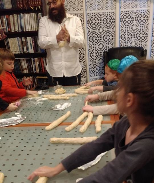 hebrew school challah rabbi 2.jpg
