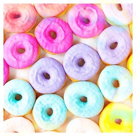 😋😋😋😋 summer body 🤔 Donuts....... The struggle continues..... #makebelieveinyou