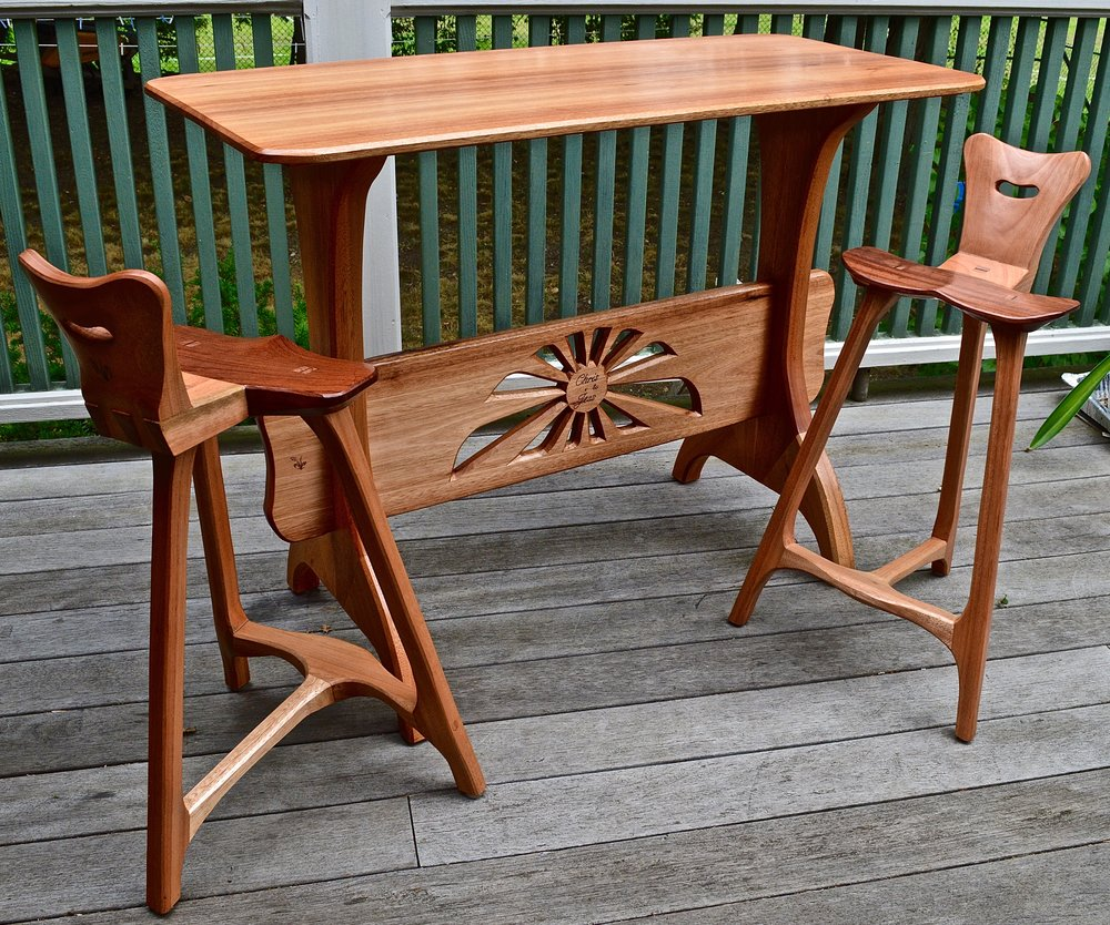 red grandis trestle table w/stools