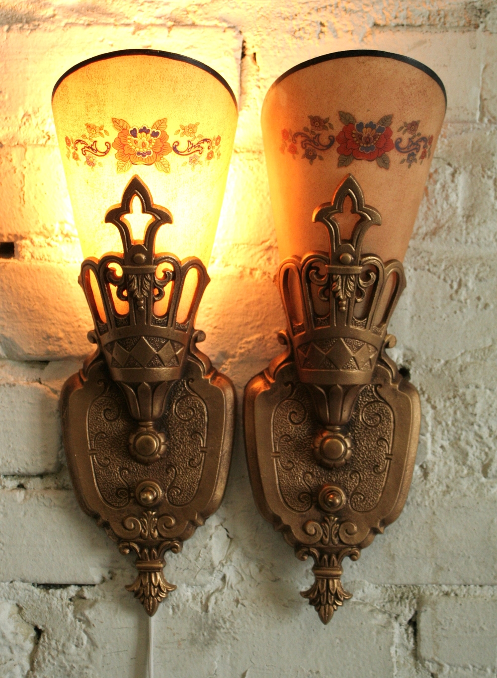 & Mid 1930s Art Deco Wall Sconces by Lincoln Restored Antique
