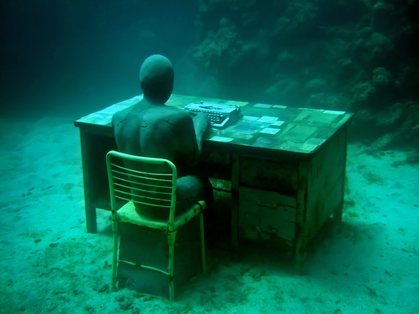 18-overview-lost-correspondent-grenada-jason-decaires-taylor-sculpture.jpg